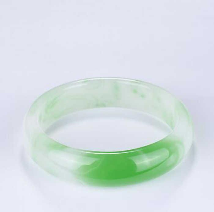 1 PC ธรรมชาติสีเขียวหยกสร้อยข้อมือกำไลข้อมือ Charm เครื่องประดับอัญมณีแฟชั่นอุปกรณ์เสริมมือแกะสลักโชคดี Amulet ของขวัญ 54- 62 มม.