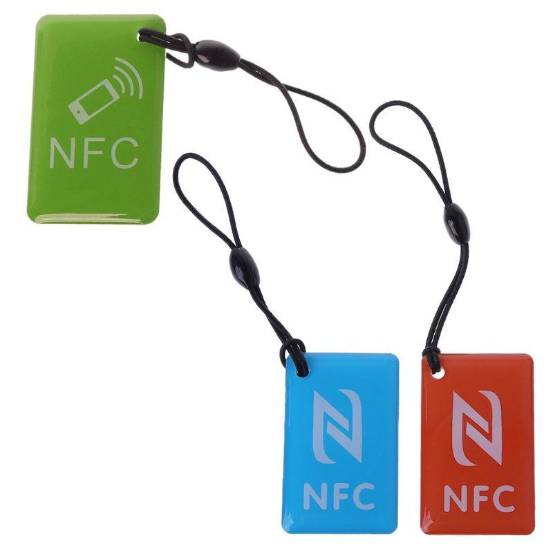 Étiquettes NFC imperméables étiquette Ntag213 13.56mhz RFID carte à puce pour tous les accès de présence de patrouille de téléphone compatibles NFC