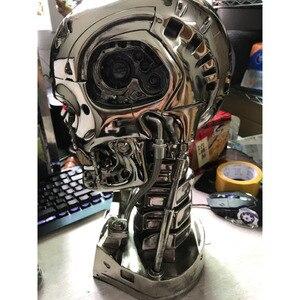 Image 4 - ¡Genial! Cráneo de T 800 terminator, escala 1:1, 39CM, con chip, edición de resina electrochapada estándar, artículos de decoración