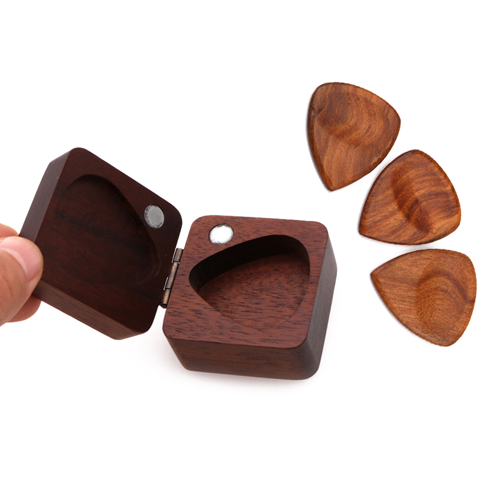 guitar pick box- guitarmetrics