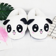 Panda kapcie dla kobiet śliczne kapcie domowe duże puszyste kapcie dziewczyny zimowe ciepłe buty futrzane kapcie Unisex kryty kapcie pokoju tanie tanio Lorilury Poliester CN (pochodzenie) RUBBER Mieszkanie (≤1cm) Pasuje prawda na wymiar weź swój normalny rozmiar Krótki pluszowe