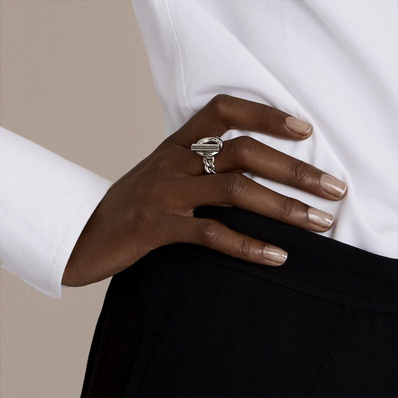 HUANZHI-New-2019-Fashion-Geometric-One-button-Chain-Hollow-Silver-Metal-Hip-hop-Ring-for-Women (1)