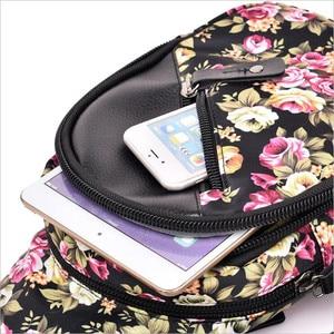 Image 4 - 送料無料 2019 新印刷女性ウエストバッグパックベルトバッグ旅行ウエストパック女性女の子防水電話バッグ