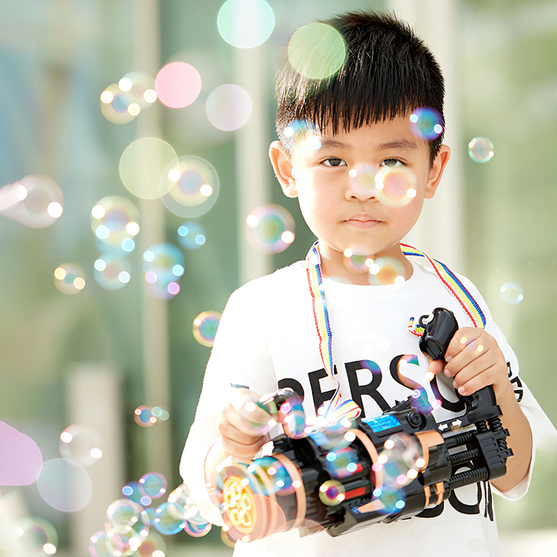 Automatic Magic Bubble Gun Blower Maker Toy Portable Electric Magic Soap Bubble Machine Light Music Outdoor Toy For Child Gift img4