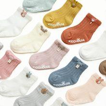Calcetines antideslizantes con dibujos animados para recién nacidos, calcetín antideslizante con pegamento para niños y niñas, 3 par/lote