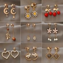 Fashion charm Creative pearl clip on Earrings Cute Handmade Earrings Womens ear clips Jewelry