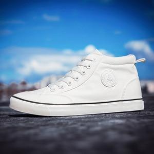 Image 3 - Zapatos de lona para hombre, calzado informal deportivo para exteriores, mocasines planos vulcanizados de alta calidad, moda estudiantil para adultos