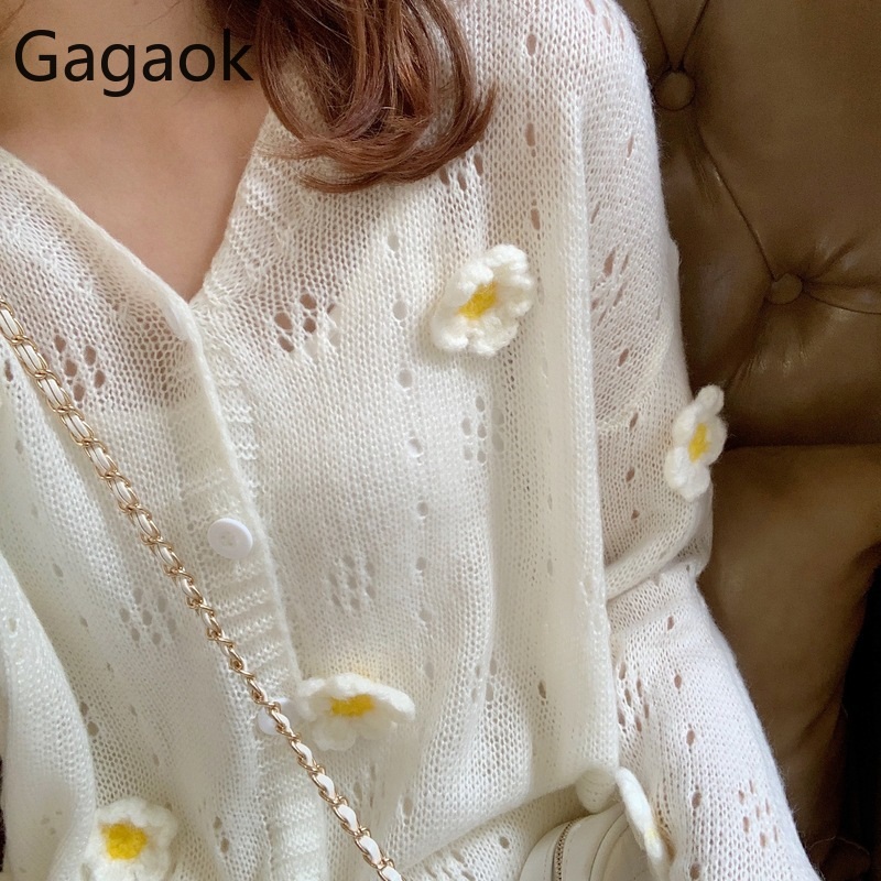 Gagao Women Knitted Sweet Cute Sweater Spring Autumn New Solid V-Neck Flowers Loose Casual Wild Female Fashion Cardigans Tops