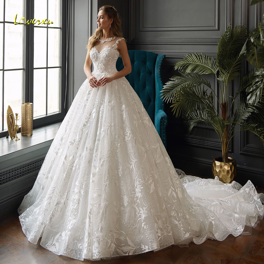 Loverxu Elegant Scoop Neck Lace Princess Wedding Dresses 2019 Luxury Appliques Beaded Court Train Vintage A Line Bridal Gowns