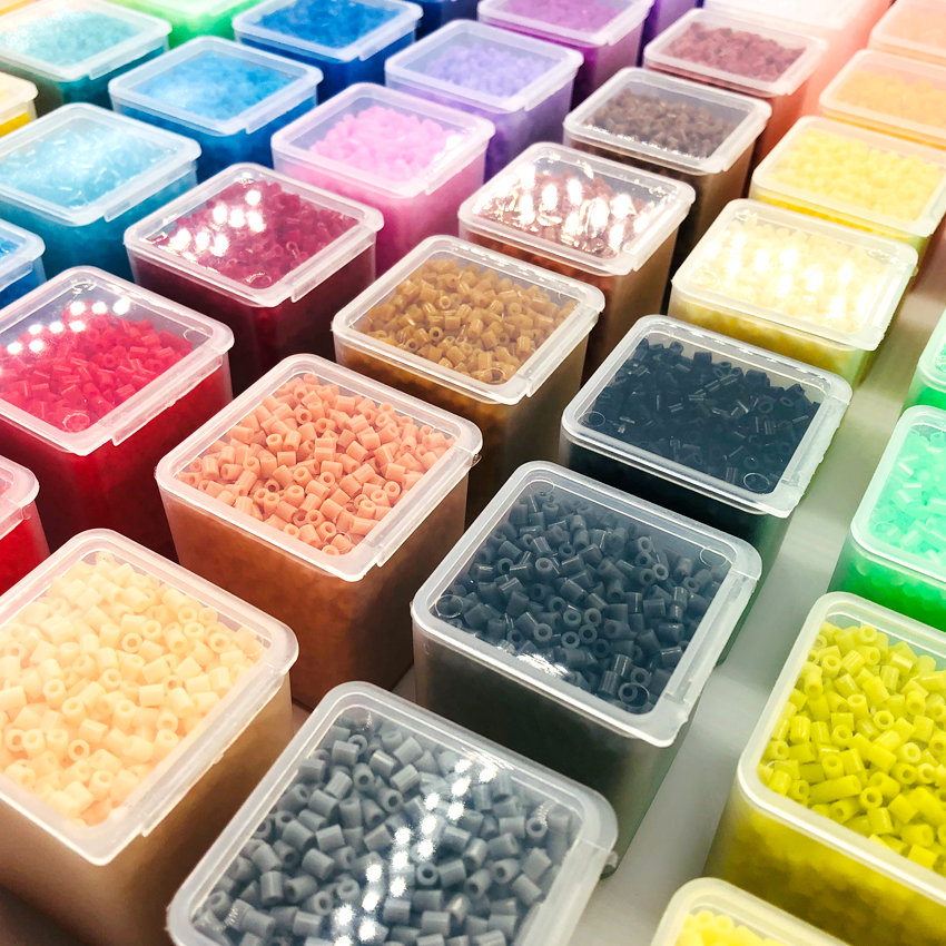DOLLRYGA 72colours 2.6mm 2000pcs/box Perler Beads Iron Beads For Kids Hama Beads Fuse Beads Diy Puzzles Mini Beads Quality Gift