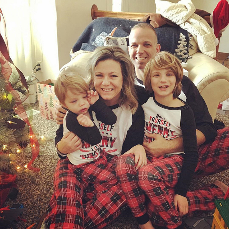 New Christmas Family Pairing Pajamas Set Plaid Moms dad and childrens family pajamas