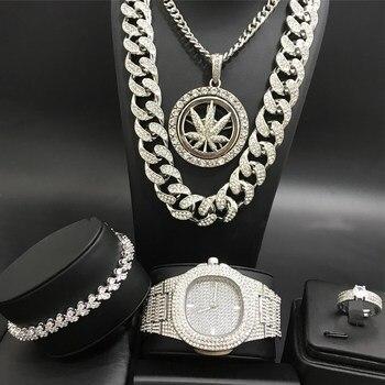 סט שעון, טבעת, צמיד, ושתי שרשראות