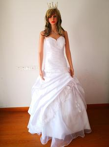 Image 2 - Classic Taffeta A Line In Stock Wedding Dress With Flowers Sweetheart Garden Bridal Gown Floor Length