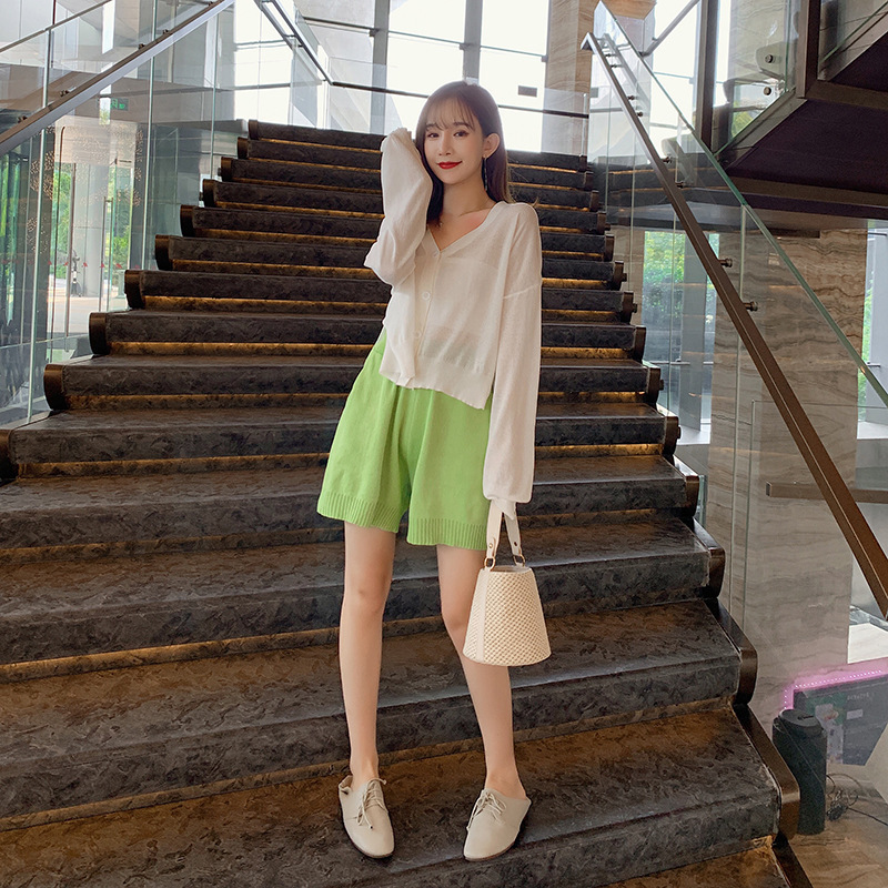 2019 New Style Korean-style Autumn V-neck Thin Knitted Cardigan + High-waisted Short Loose Pants Women's Two-Piece Set F7531