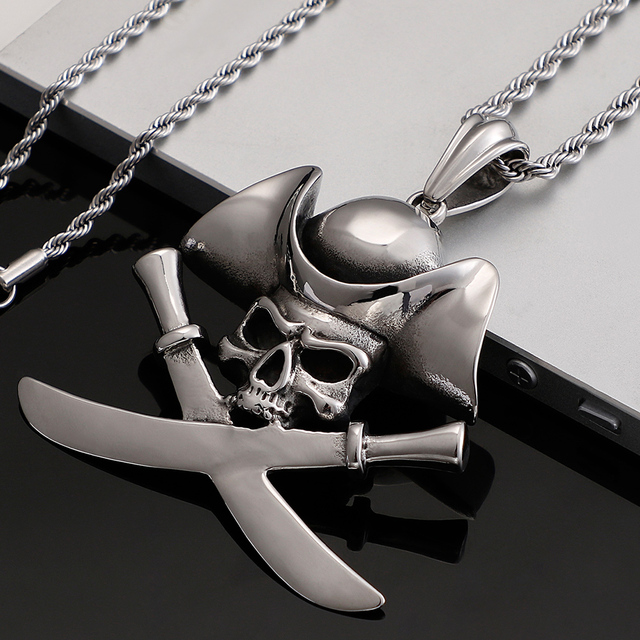 STAINLESS STEEL SKULL PIRATES NECKLACE