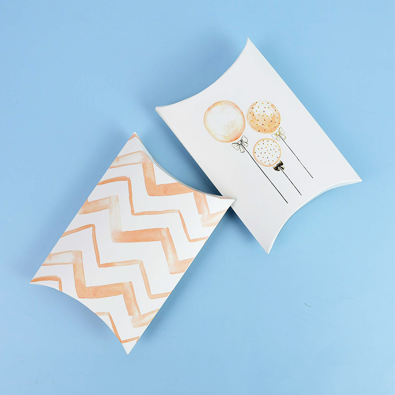 10 pçs papel kraft travesseiro forma doces caixa de biscoito festa de casamento favor pacote de presente suprimentos chá de fraldas caixas de doces