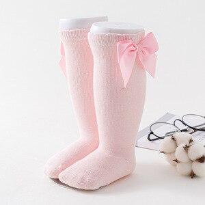 Neugeborenen baby mädchen socken Neue Kinder Socken Kleinkinder Mädchen Großen Bogen Kniehohe Lange Weiche Baumwolle Spitze baby Socken Kinder socken