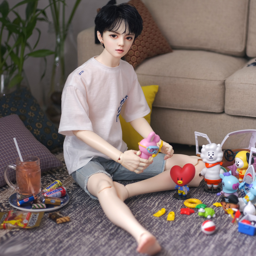 The suit Jaeii is different. Juvenile 3-point male uncle bjd sd doll trend humanoid doll