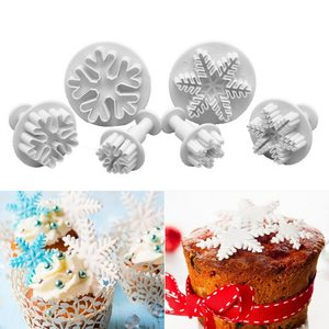 3Pcs PLASTIC Snowflake Cookie Cutters Cake Decorating Tools Sugarcraft Embossing Biscuit Molds Wedding Birthday Bakeware