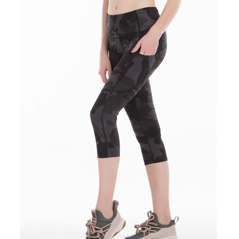2020 Sports Capris Gym Leggings Super Quality Stretch Fabric camo black wine red capris leggings 1