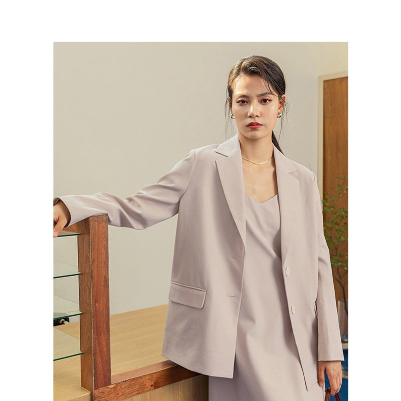 INMAN 2020 Spring New Arrival Minimalist Solid Color Turn Down Collar Two Button Loose Style Women Office Style Suit