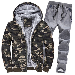 Nuevo chándal de forro de piel caliente de invierno para hombre, Abrigo con capucha estampado de camuflaje, pantalones de chándal de longitud completa, conjuntos de traje masculino de gran tamaño