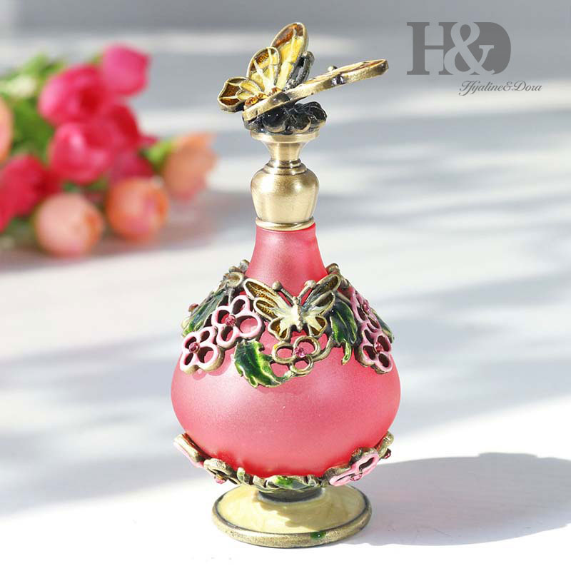 Image 3 - H&D 25 Kinds Antiqued Style Glass Refillable Perfume Bottle Figurine Retro Empty Essential oil Container Home Wedding Decoration-in Refillable Bottles from Beauty & Health