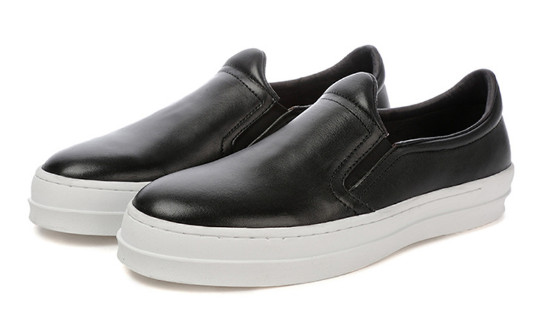 Casual Style Decorative Men's Shoes, A Decorative Shoe With Very High Comfort