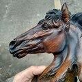 Paard standbeeld ornamenten, hars ambachten, imitatie houtsnijwerk, home decoratie, souvenirs (A907)