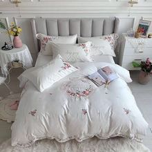 00% Egyptian Cotton White Luxury Bedding Sets King Queen Size Embroidery Bed set Palace Royal Bed Duvet Cover Bed Sheet set 4pcs 600tc egyptian cotton soft duvet cover bed sheet set queen king size silky soft simple style embroidery hotel bedding set