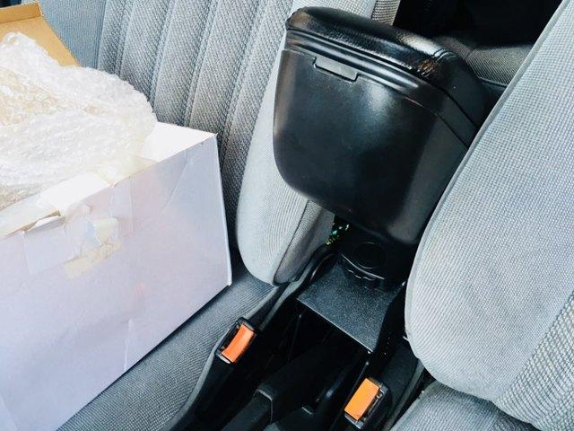 подлокотник для автомобиля ibiza черный кожаный подлокотник фотография