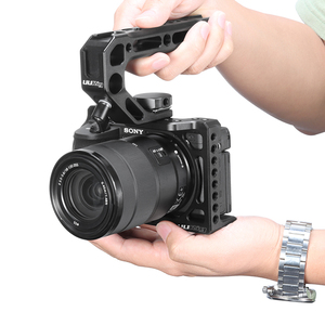 Image 4 - UURig Vlog Camera Cage for Sony A6600 with 1/4 3/8 Thread Hole to LED Light Aluminum Protective Cage to Microphone W Top Handle