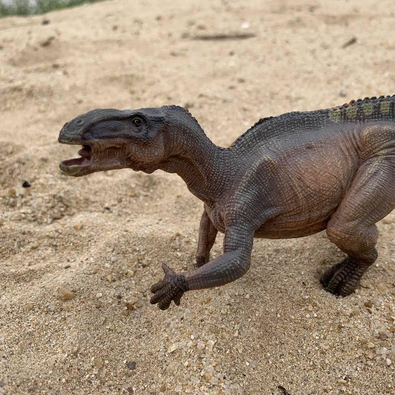 New Products Shelves Imitation Dinosaurs Animal Model Iguanodon Model Walking Dinosaur Animal Model
