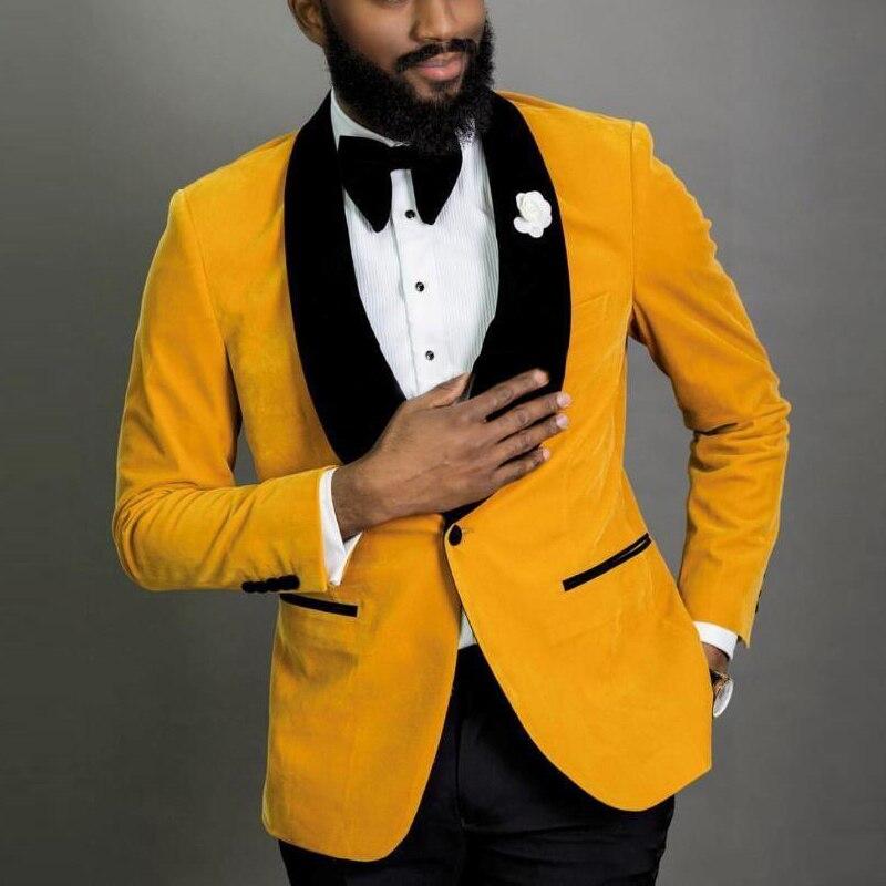 Новый стиль женихов, мужские желтые бархатные смокинги для жениха, шаль с черными лацканами, мужские костюмы, 2 предмета, Свадебный Лучший человек (пиджак + брюки + галстук), C816
