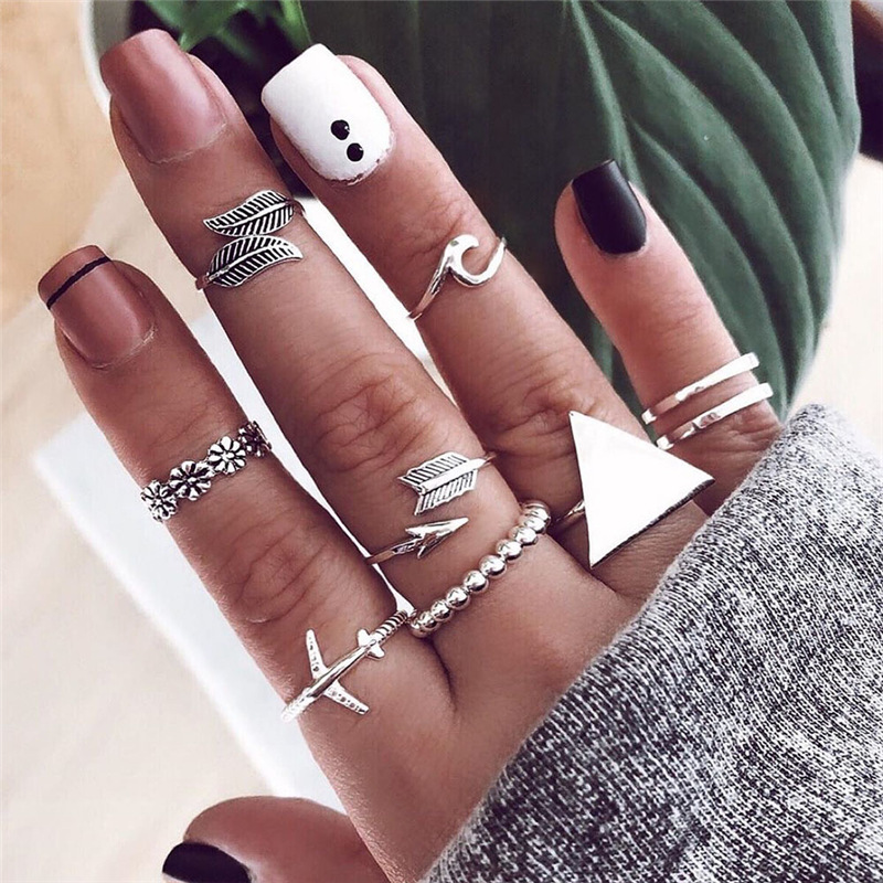 Fashion Big Triangle Round Geometric Rings for Women Vintage Plane Arrow Wave Flower Leaf Joint Ring Bohemian Silver Ring Set