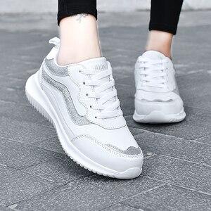 Image 5 - النساء أحذية رياضية أحذية رياضية جلدية الدانتيل متابعة مقاوم للماء حذاء مسطح في الهواء الطلق حذاء للجيم احذية الجري السيدات أحذية رياضية