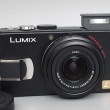 USED Panasonic DMC-LX2 10.2MP Digital Camera with 4x Optical