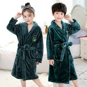 Image 1 - Bebê menina robe flanela quimono banho crianças vestido de noite pijamas unisex crianças bonito dos desenhos animados roupão coral velo nightwear