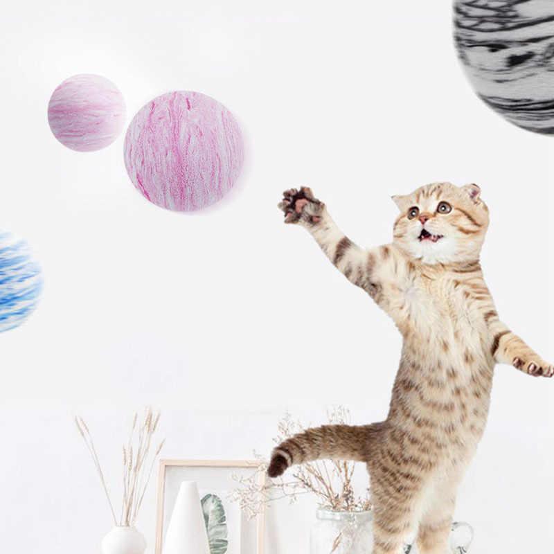 1Pc קשת כוכב צעצוע כדור אינטראקטיבי 4cm חתול צעצועים לשחק ללעוס רעשן שריטות EVA כדור אימון ציוד לחיות מחמד 3 צבעים חתול צעצוע