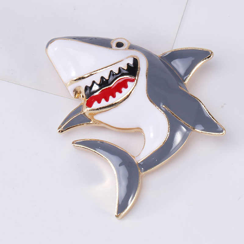 Wuli & baby Dello Smalto Squalo Pesce Spille Donne di Metallo Blu di Colore Grigio Shark Pesce di Mare Amante Degli Animali Del Partito Casual Spilla spilli Regali