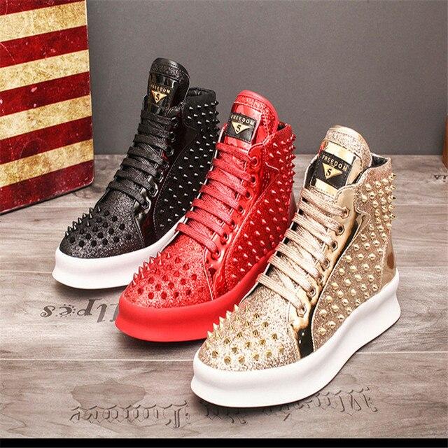 Zapatillas de deporte de lujo para Hombre, zapatos informales con remaches de estilo Punk, Hip Hop, color dorado y rojo, suela gruesa 1