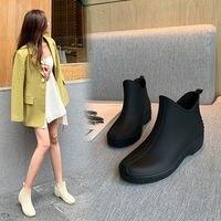 Mode Alle-spiel Regen Stiefel frauen Kurze Regen Stiefel Nicht-slip Low Zu Helfen Grocery Shopping Warme wasser Stiefel Matt Küche