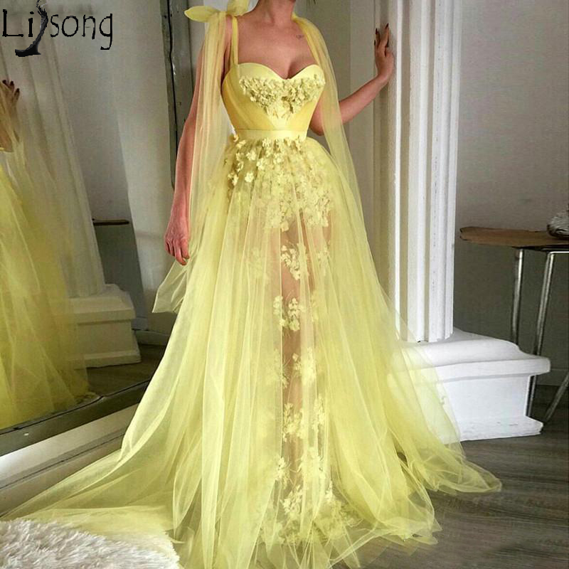 2019 A Line Yellow Prom Dresses Sweetheart Appliques See Through Formal Party Dress Sweep Train Spaghetti Strap Evening Gowns