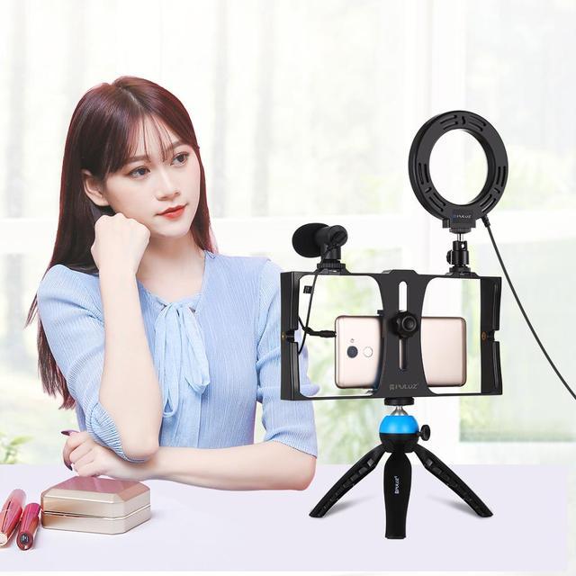 PULUZ 4 in 1 Vlogging Live Broadcast Smartphone Video Rig +4.6 inch LED Selfie Ring Light & Microphone +Tripod Mount+Tripod Head