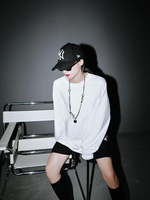 [EAM] Women White Black Split Joint Big Size T-shirt New Round Neck Long Sleeve  Fashion Tide  Spring Autumn 2021 1R942 4