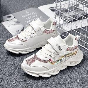 Image 1 - Mode Kinderen meisje Schoenen Ademend Baby Schoenen Sneakers Zachte Bodem antislip Casual meisje Schoenen