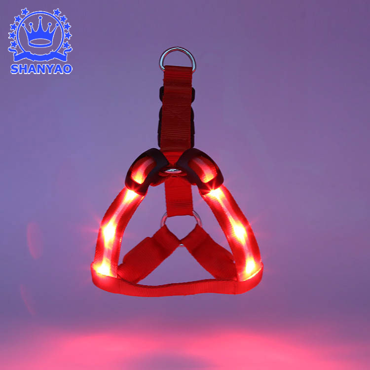 Dongguan Fish Screen Pet LED Shining Dog Chest Strap Shining Hand Holding Rope Flash Suspender Strap Chest And Back