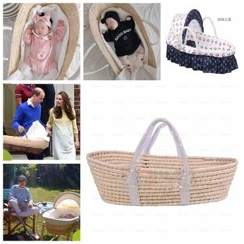 Straw woven newborn baby basket hand portable sleeping in blue corn husk photography prop