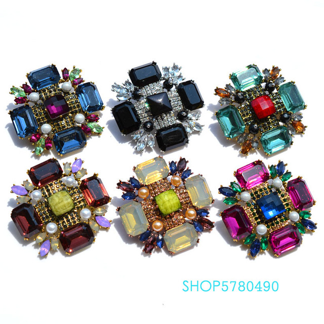 Classic Jewelry Six Color Big Crystal Brooch for Party Wedding Accessories Fashion Breast Pin Cross Brooch Ladies Coat Garments