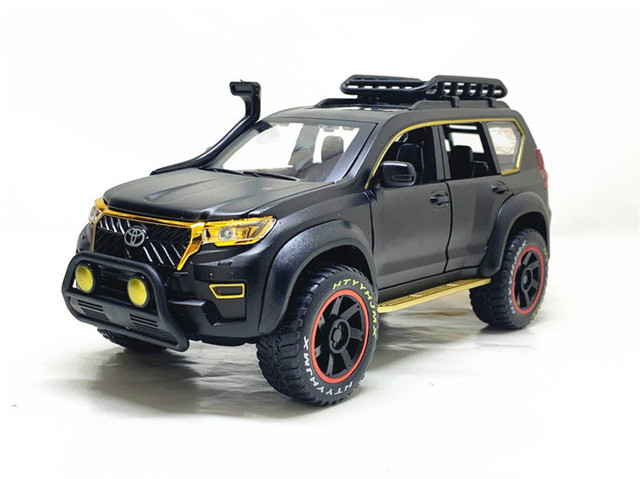 1:24 Toyota Prado Overbearing Modified Version with Metal Car Model Toys as Gifts and Ornaments 1